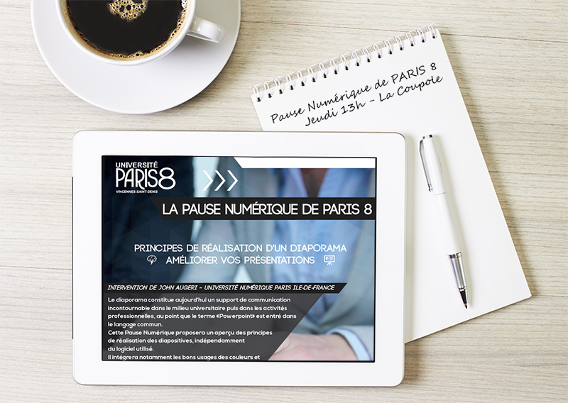 Image représentant une tablette tactile et un bloc note indiquant le RDV de la prochaine Pause Numérique de Paris 8